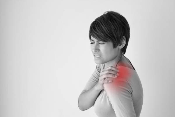 Возможные причины боли в плечах с точки зрения психосоматики